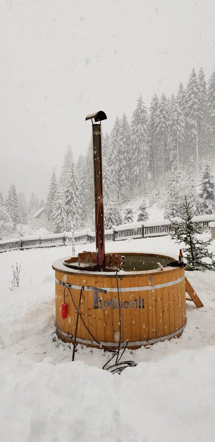Badetonne Badefass Badezuber outdoor im Winter